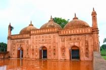 Tohakhana Masjid at Shibgonj in Chapai Nawabganj. It was built adjacent to Mazar(shrine) of Shah Niamatullah Rahmatullah. This Masjid was built for the Mazar, since 1668 to 1669. Chapai, Bangladesh. July 2007.